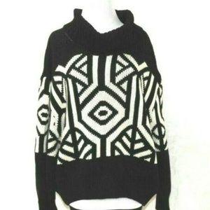Womens Sweater Black White Geometric Pattern Cowl